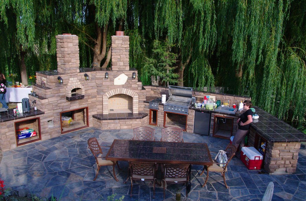 Increase the Value of Your Home with an Outdoor Kitchen